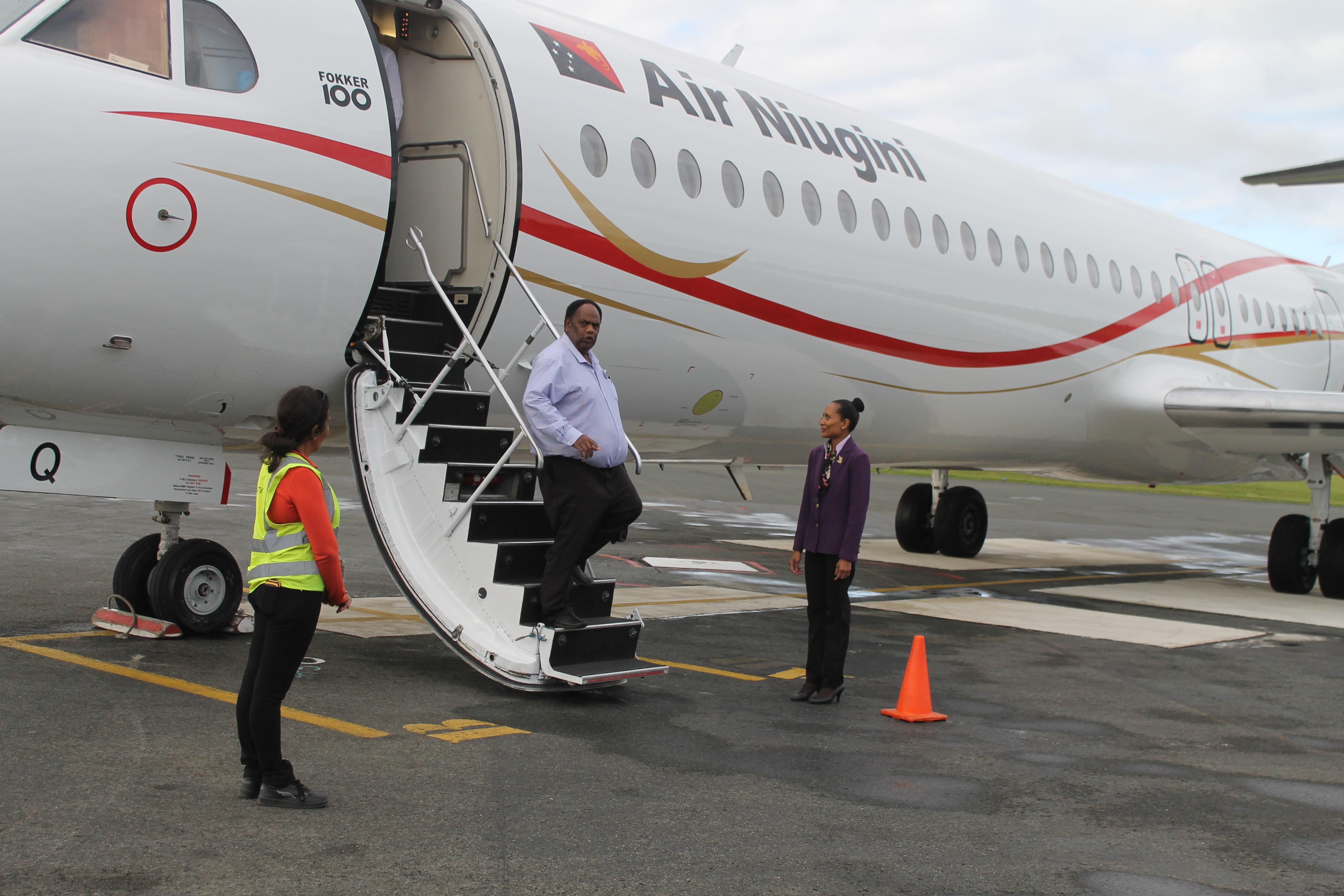Arrival of Air Niugini F100 at Port Vila
