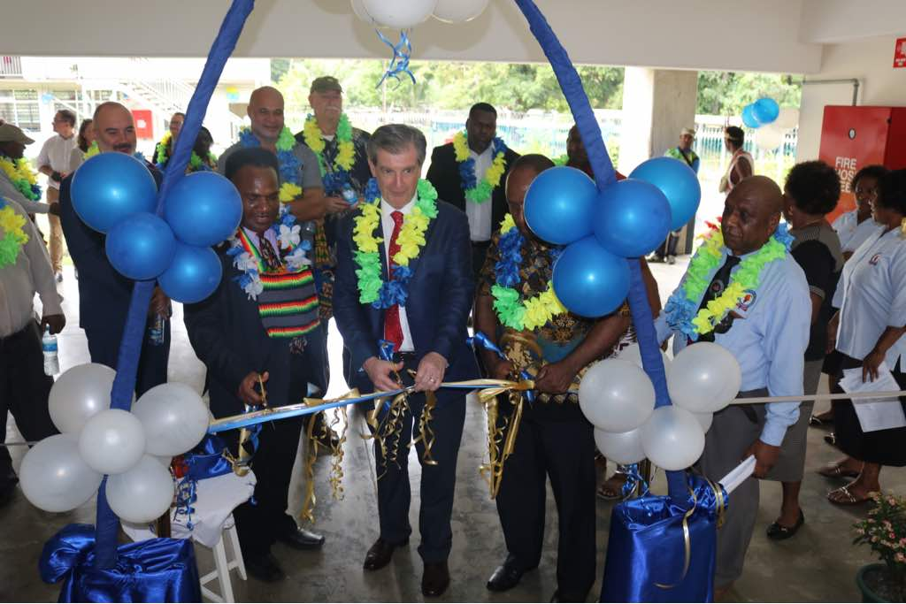 Opening of the academic building at the Lae School of Nursing. L-R Health Secretary Pascoe Kase, High Commission Bruce Davis and Morobe Governor Ginson Saonu
