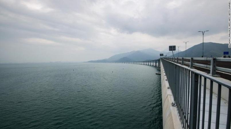 $20 Billion Mega-Bridge Between Hong Kong and China Ready for Use