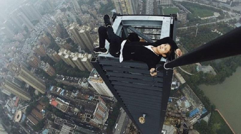 Daredevil Who Climbed Skyscrapers Without Equipment Dies in 62-Story Fall
