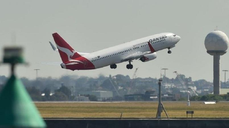 Qantas banks second-highest record profit