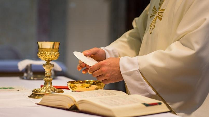 Vatican: No gluten-free bread, soured wine for Eucharist