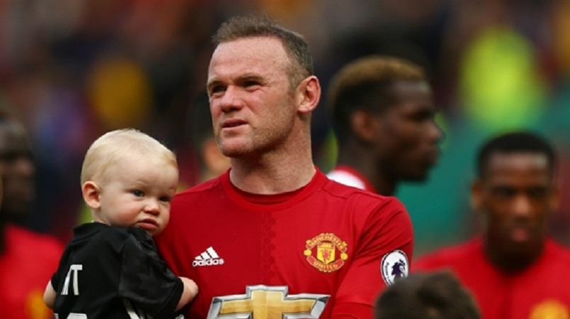 Everton pushing for Rooney return