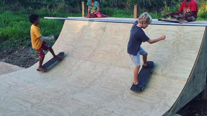 tonga_skateboarding.jpg
