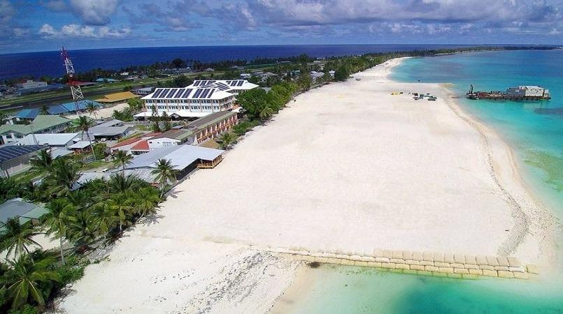 Tuvalu appeals to 'climate tourists'