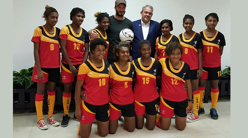 PNG U20 women team with David Beckham (Picture by Hon,Justin Tkatchenko Facebook Page)