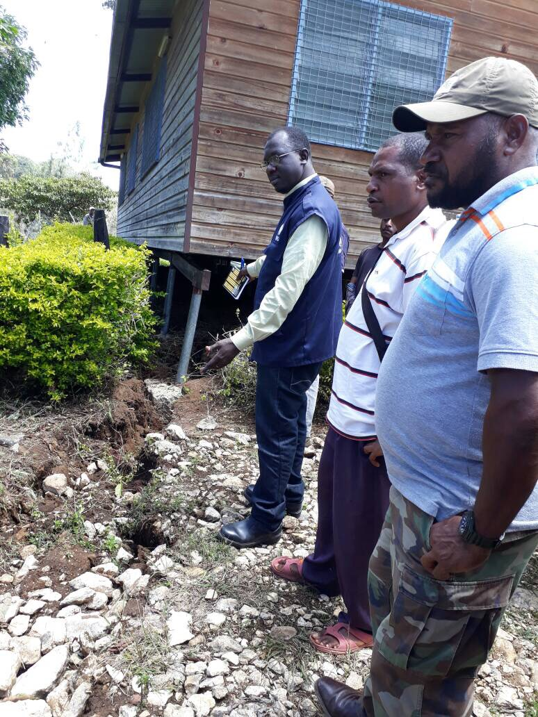 WHO staff Roland Kuuzer with provincial health workers assessing health facilities in Mendi, Southern Highlands