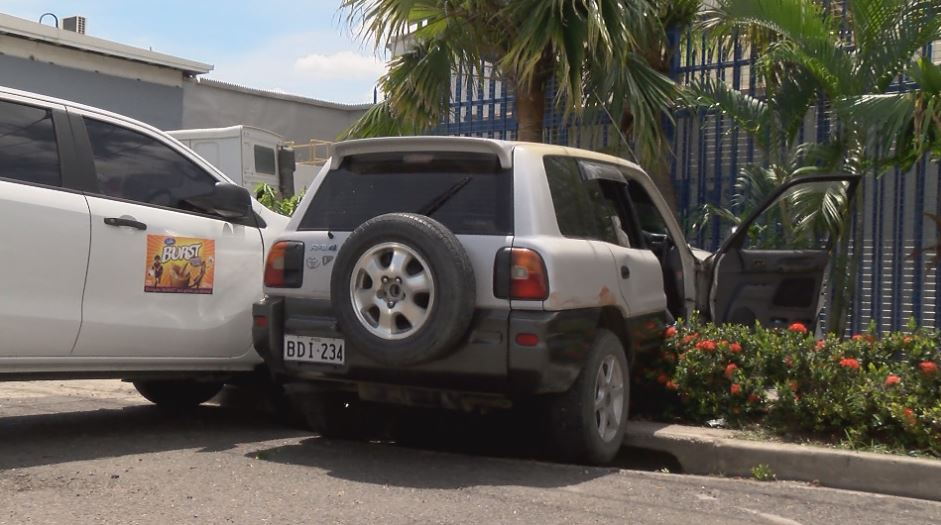The victim's vehicle outside Laga Industries, Port Moresby