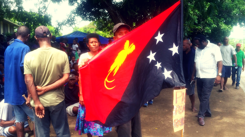 Wantoks rally behind PNG's flag designer | Loop PNG