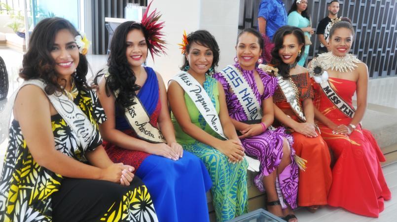 Wahine (Women)   Island style clothing, Island fashion