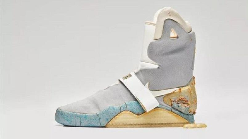 """2011 Air Nike Mag """"Back to the Future"""" shoes eBay auction"""