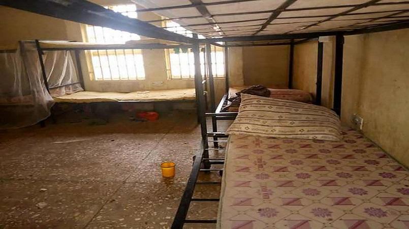 More than 300 Nigerian schoolgirls abducted | Loop Tonga